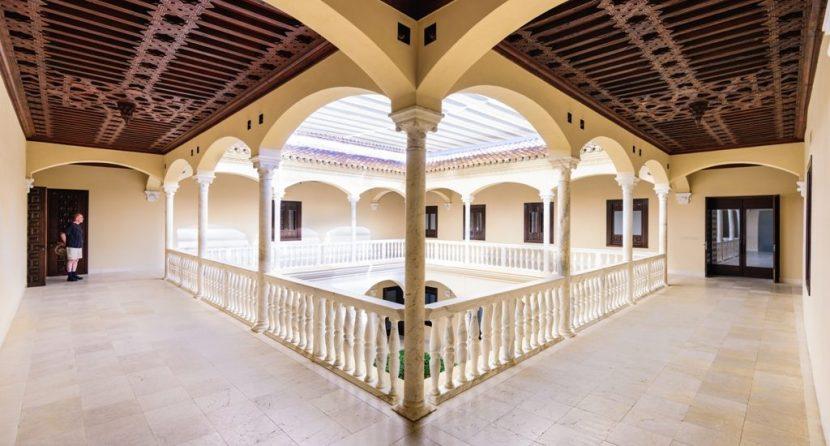 auge del turismo en la costa del sol visita cultural por los museos de malaga casasol holiday alquiler apartamentos gestion viviendas turisticas